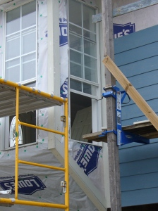 Bow window corner trim