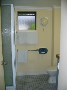 Toowong Villa bathroom
